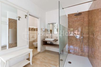 Suite Deluxe Matrimoniale 101 -The room has an en suite bathroom
