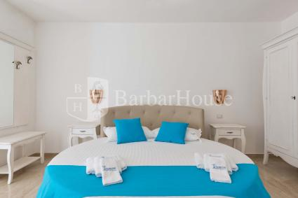 Suite con Jacuzzi 103 -The room has air conditioning, a TV, wi-fi, a fridge
