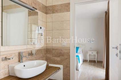 Suite Tripla 104 - Daily cleaning and breakfast are also included.