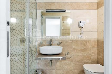 Suite Matrimoniale 108 -The room has an en suite bathroom with shower