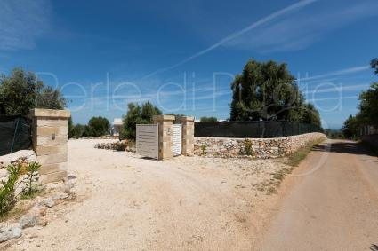 The villa is located in there of  Brindisi and is completely fenced