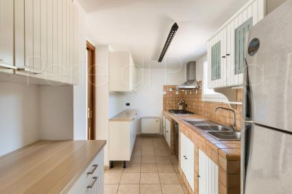 Equipped kitchenette (also a second kitchen in technical compartment with oven and washing machine)