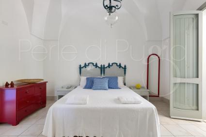 La seconda camera è una matrimoniale con balconcino