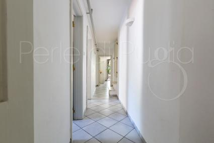 Il corridoio che fa da disimpegno nella zona notte