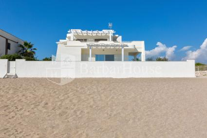 La grande casa vacanze sul mare ospita fino a 10 persone