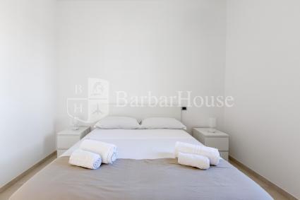 La villa ha una zona notte formata da 4 camere da letto