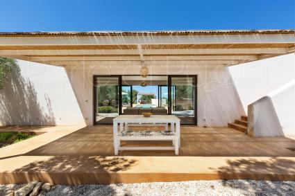 The porch at the entrance of the villa