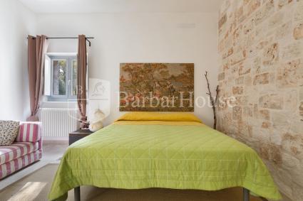 La prima camera da letto è una tripla con letto matrimoniale + singolo