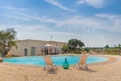 Antica masseria oggi è una villa di lusso con piscina