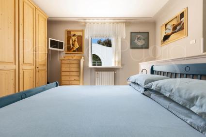 La prima camera da letto è una matrimoniale