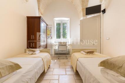 Camera 2: doppia con letti singoli e bagno en suite
