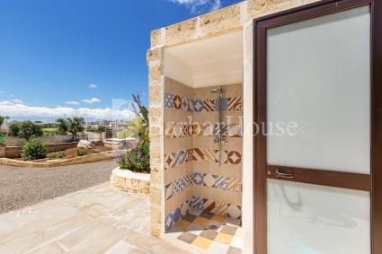 La doccia esterna