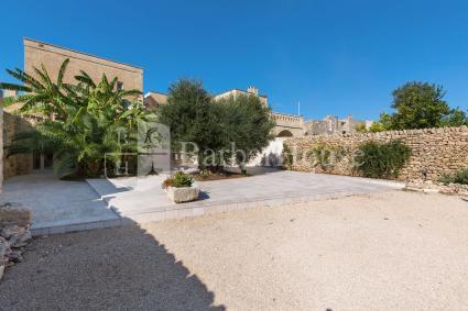 trulli e case tipiche - Torricella ( Taranto ) - Palazzo Benedetto Campo