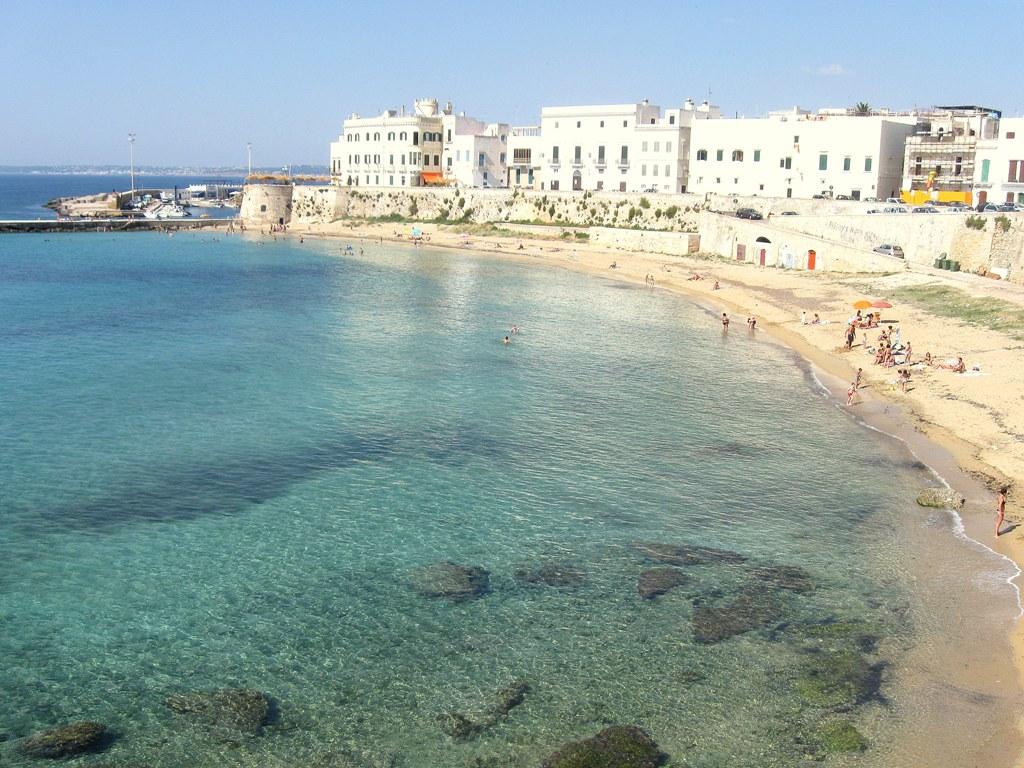 Casa vacanza casa in affitto nel centro storico gallipoli - La finestra sul mare gallipoli ...