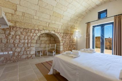Lamione accommodates 2 guests