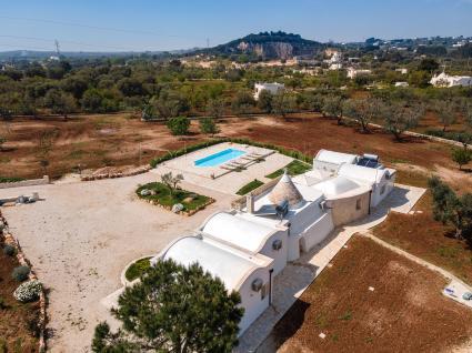 La tenuta ripresa dal drone di Perle di Puglia