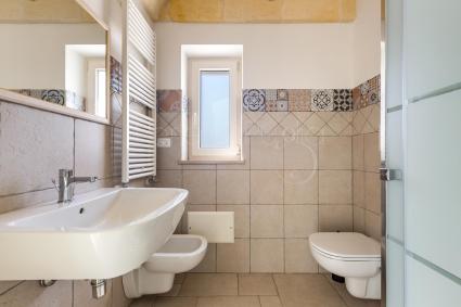Bagno doccia della camera 1