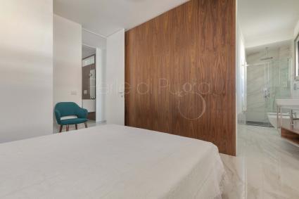 Una delle camere ha il bagno doccia en suite