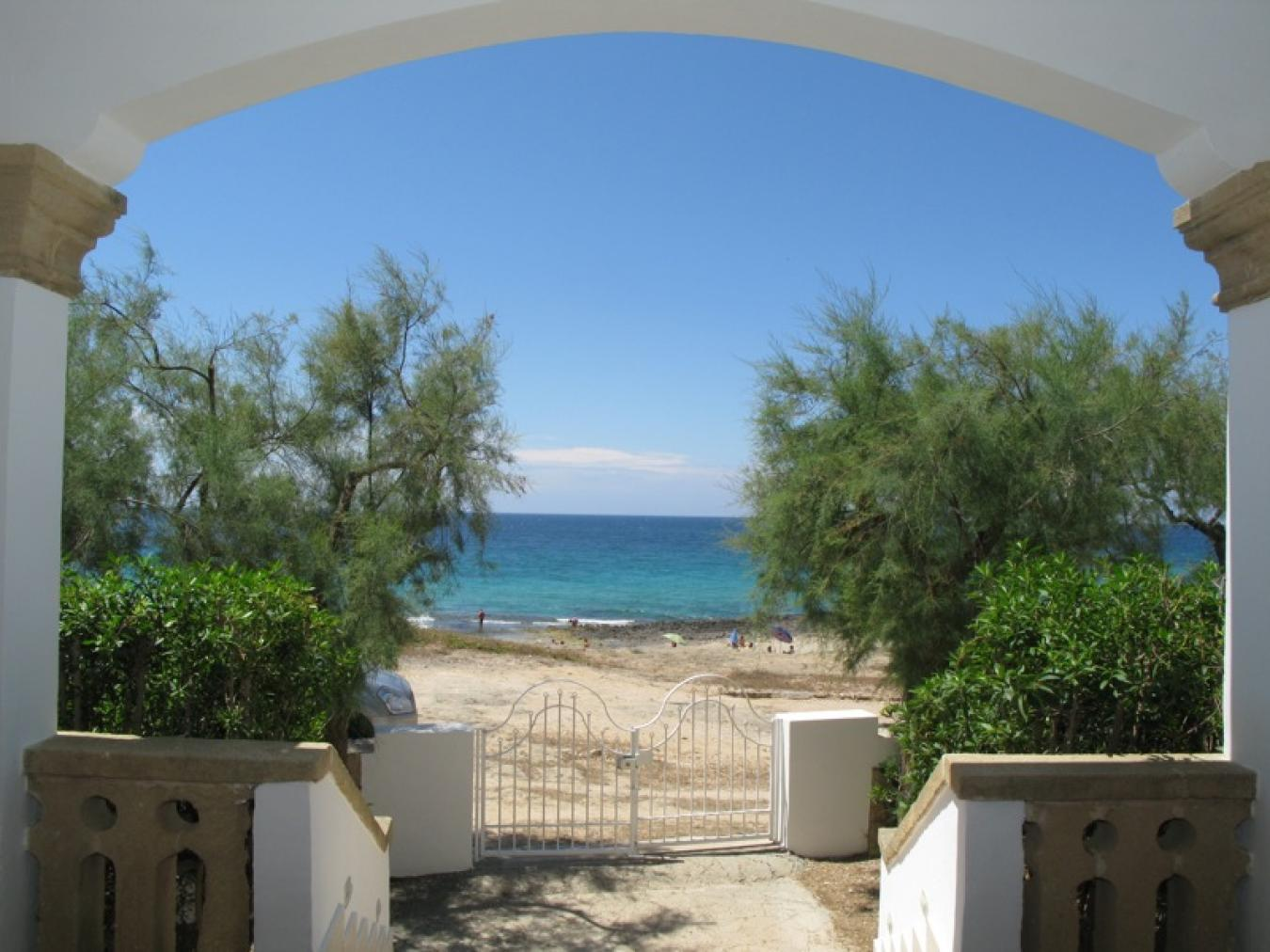 Villa sul mare in affitto a mancaversa gallipoli villa - La finestra sul mare gallipoli ...