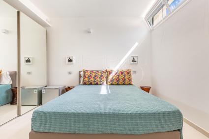 I bagni di camera 3 e camera 7 hanno ampie docce