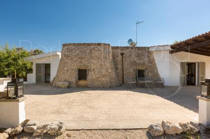La Pajara is a typical house, now restored and full optional