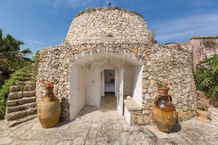 Una delle dependance della villa si trova in un caratteristico trullo