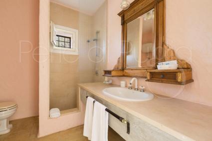 Il bagno con doccia della dependance