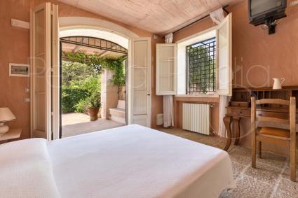 Camera da letto matrimoniale e bagno en suite