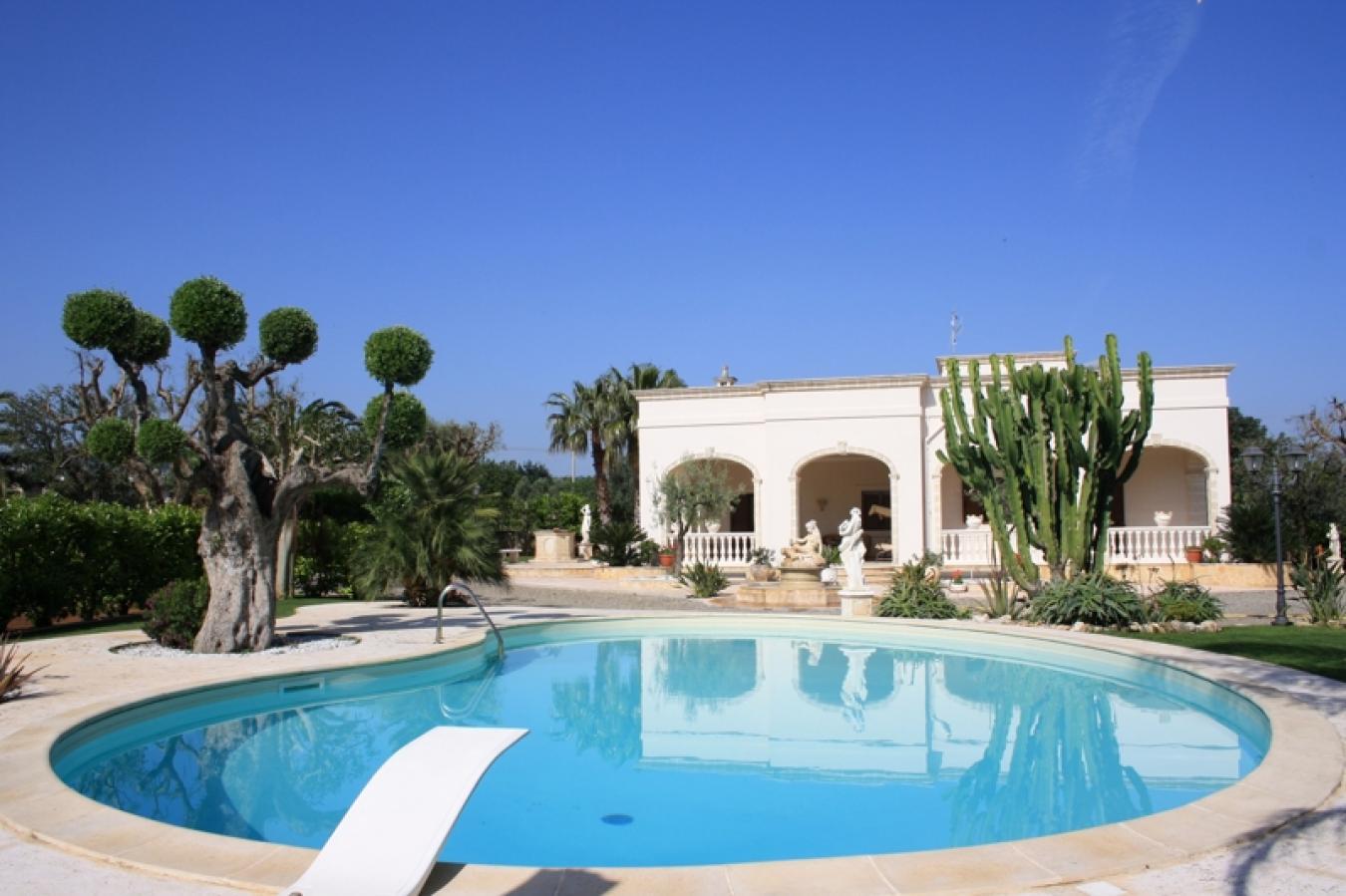 Affitto villa con piscina a fasano savelletri masseria - Villa con piscina salento ...