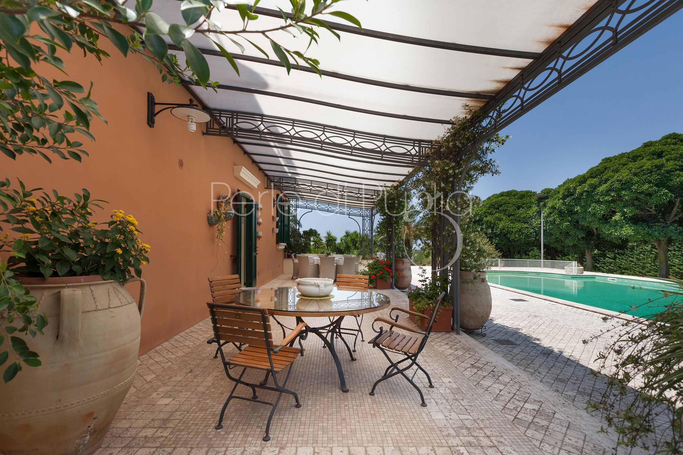 Villa roberta affitto villa con piscina a casarano - Villa con piscina salento ...
