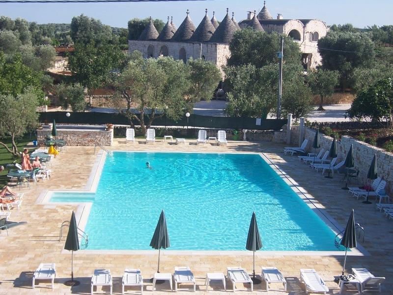 Appartamento in residence con piscina a ostuni residence pascarosa bilo b - Residence puglia mare con piscina ...