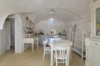 trulli e typical houses - Ostuni ( Brindisi ) - Trullo Bianco