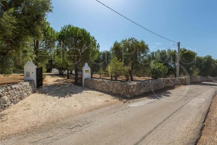 Il cancello di accesso alla proprietà