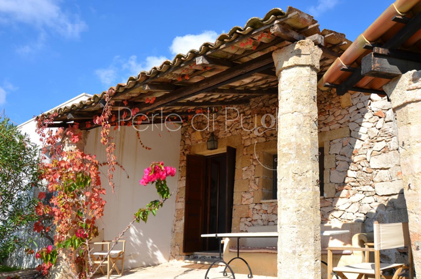 Abitazioni tipiche in affitto a leuca pajare episcopo paola for Abitazioni di lusso