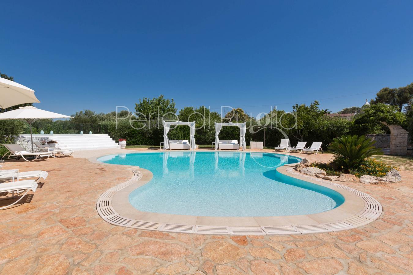 Trullo dei messapi villa di lusso con piscina e jacuzzi for Piscina di lusso