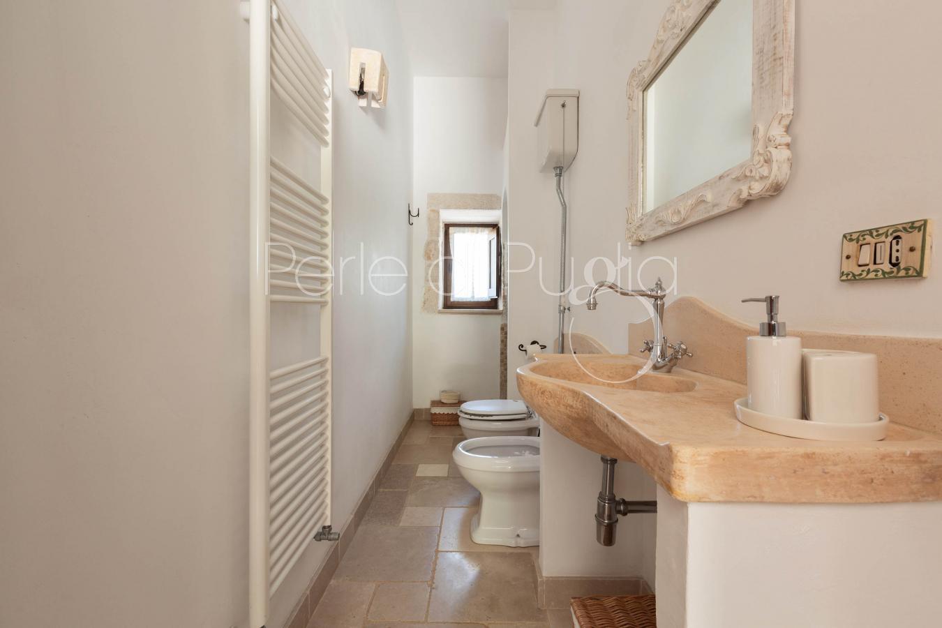 Trullo dei messapi villa di lusso con piscina e jacuzzi for Nuove case con suite suocera