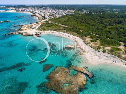 Il bellissimo tratto di costa ripreso dal drone