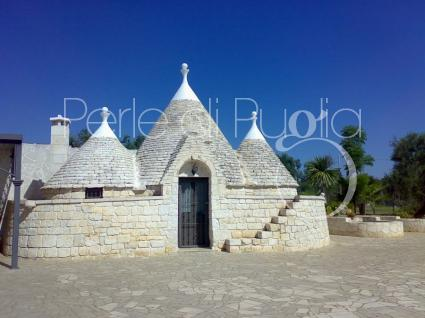 trulli e typical houses - San Michele Salentino ( Brindisi ) - Trullo Madeleine