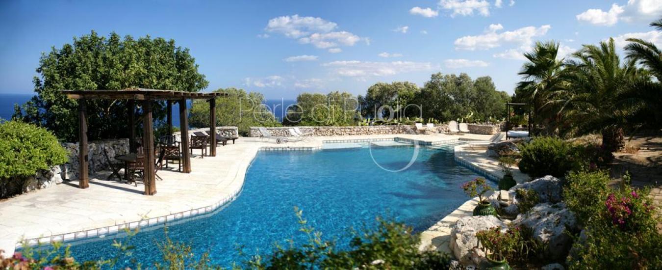 Villa cucuruzzi trulli con piscina sul mare a santa maria - Piscina santa maria ...
